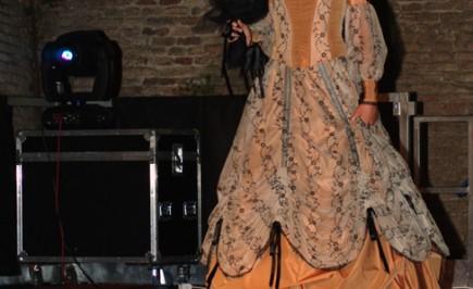Creazione originale abito vittoriano di Annamaria Quaresima