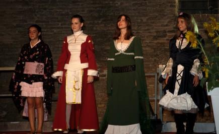 Monia Bolletta con le sue modelle