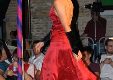 Presentatrice vestita dalla realtà di Elisa Priori
